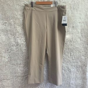 Nwt Ladies Size 16 Alfred Sung Crop Pants.
